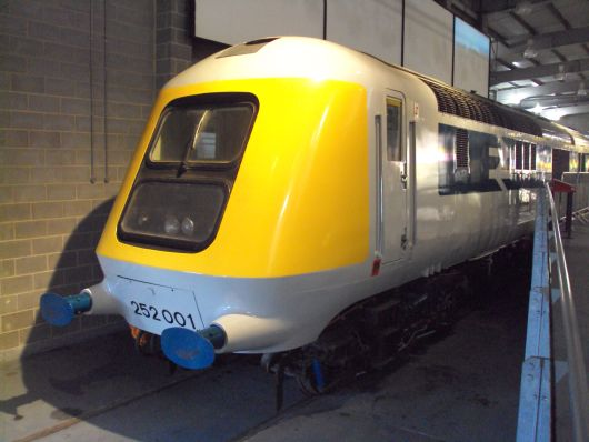 Das beste Foto von British Rail Class 41: Prototype High Speed Train 252001 im National Railway Museum, York